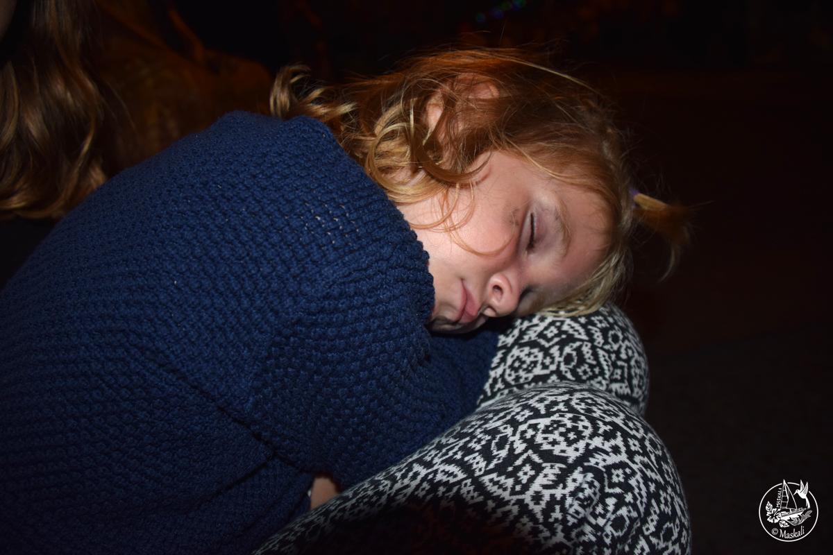 Pendant ce temps-là, notre princesse-pirate dort comme un charme !